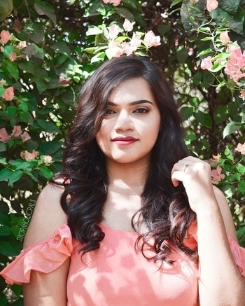 To Corals & Curls feat. @stalkbuylove.com 🌼 #fashion #style #beauty #makeup #fashionstory #stylefile #springlook #springfashion #romantic #twirl #instabeauty #instastyle #instafashion #pretty #sunshine #blooming #flowers #beautiful #fashionblogger #babesofsbl #motd #springmakeup #styleblogger #beautyblogger #ahmedabadspring #indianblogger #ahmedabadblogger #bloggersofahmedabad #shopaholicpal