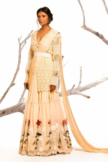 #festivities just how we like it @labelnityabajaj Photography @prashhant_awasthi Talent @laxmipandey14  #doilybynityabajaj  #serene #elegant #classy #nityabajaj  Shop #doily at www.nityabajaj.com #fashionphotography #fashion #ootn #beige #roses #lehenga #fusionwear #fusion #indian #jacketlehenga #doilycampaign