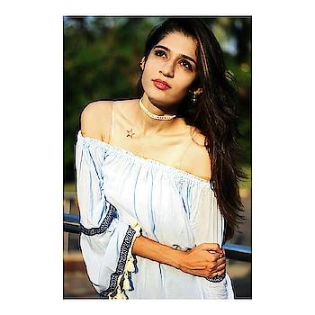 Look straight into the eye of the sun... Even if u can't!!! The world often falls in love stuborn heart!!! 💫 . 📷 @the_illogical_aquarian . #ootd#ootdshare#lookbook#wiw#indianfashionblogger#mumbaifashionblogger#style#treding#clothing#stylogram#fashioninsta#streetstyle#fashionpost#beautyblogger#blog#whatiwore#fashiondiaries#plixxoblogger#tags4likes#love#like#share#followme #thevoguemania