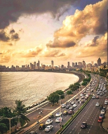 #mymumbai #beautifuldestinations #cloudporn #moodyindia #streets #amazingmumbai