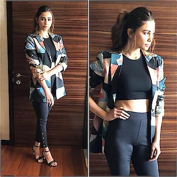 Who cares about #mondayblues when you Spot #Fragments on the gorgeous @shahdaisy during her #dabangtour  #Repost @afashionistasdiaries @trishadjani  @shahdaisy  Blazer - @labelnityabajaj  Crop Top - @bardot  Pants - @marksandspencerindia  Sandals - @callitspring  Styled by - @trishadjani  #bollywood #style #fashion #beauty #bollywoodstyle #bollywoodfashion #indianfashion #celebstyle #celebrityfashion #indianstyle #afashionistasdiaries #daisyshah #labelnityabajaj #marksandspencer #dabangg #salmankhan #daisyshah #daisy #fragmentsbynityabajaj #Fragments #springsummer #NITYABAJAJ #labelnityabajaj #dabang