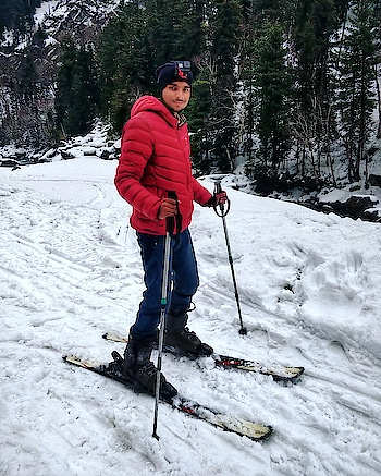 #Snow Ski is new Love... I love all the snow adventures and activities... I did Snow Ski Yesterday at #Sonamarg  Today, let's see what new adventure I do... . . . . . . #morningmotivation #Morning #snowboarding #snowfall #snowmountain #Kashmir #kashmirindia #india #travel #indiatravel #travelgram #moodygrams #mountains #photooftheday #indianphotography #traveler