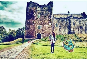 As the Game of Thrones season gets more and more exciting, couldn't help but throwback to the time I visited the Winterfell Castle and could not understand all the fuss my friends made about it. Now I know 😅 #traveldiaries #scotland #theleggylass #travelling #travel #traveller #travellife #traveldiaries