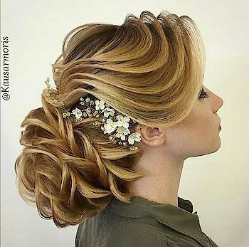 #hairstylesforgirls #hairbrooch #hair style for long hair #hair-do #hairbrooch #hairtwist #roses in hair #hair accessories #curly-haired #hair-dos