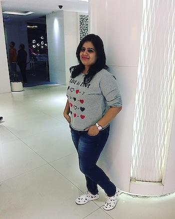 Hanging out with your loved one is always the best feeling . . Www.rajshreeupadhyaya.com .  #fashionandbeautyinfluencer #fashionblogger #fashiongram #fashionista #fashioninfluencer #youtuber #youtuberindia #youtubercreators #indianyoutuber #followher #jaipurblogger #followforfollow #fashiongram #instalove #instagram #instadaily #rajshreeupadhyaya #photooftheday #amazing #jaipur #indianblogger #blog #ootd #lifestyleblogger #instajaipur #jaipurdiaries #beautyblogger