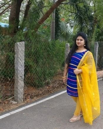Ootd✌️ . . . . . . . #oneplus3tphotography#traditionallook#hyderabadfashionblogger#fashionlover#mirrorskurti#like4like#roposodaily#roposopic#roposolove#longhair#roposo#reliancefootprints#indianblogger#blogginglove#soroposofashion#blogger#indianblogger#fashionaddict#fashionista#fashionblogger#hairstyle#hairlover#blog#instablogger#roposomood#soroposolook#roposogood#redlips#hyderabadi