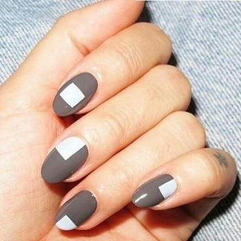 indiafashionblogger.com Ever tried monochrome block coloured nails? 💅The color blocking technique is actually pretty easy, but will require a little practice to get the shapes looking sharp and clean.....Here , you just follow some steps...😘👉 1...Choose which color blocking method you want to use.  2Make your first block. 3...Fill in the second color. 4...Make the second block.  5...Fill in the third color. 6...Clean up.  7...Finish off with a top coat.  8...Experiment with different colors and shapes.  Stay stylish.....Stay beautiful 🙌😘 Don't forget to probe the new posts at our blog .......checkout the direct link in bio 💙💙 @indiafashionblogger.com #Indiafashionblogger #ifbteam #followme #shailygupta #kajalmishra #fashionblogger #travelblogger #followforfollow #nails #nail #fashion #nailart #nailpolish #polish #nailswag #beauty #beautiful #instagood #pretty #girl #girls #stylish #sparkles #styles #gliter #art #opi #photooftheday #essie #unhas #preto #branco #rosa #love #style #shiny #cute