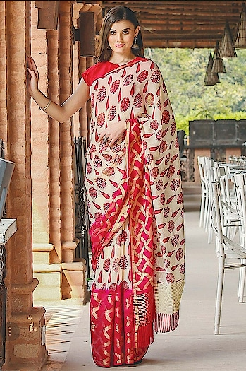 Samyakk's fascinating saree enriched with graceful prints...!! For more inquiry kindly watsapp us at 9845922959. For more collection visit our website www.samyakk.com  #saree #fashion #samyakk #samyakkdesign #designer #designersaree #designer #fashion #embroideryart #satin #satinsaree #fashioninsta #wedding #weddingsaree #sareelove😍 #sareeday #saree😍 #sareeindia #sareesusa #latestcollection #redcarpet #redsaree #model #missindia #missindia2016 #bespoke #worldwide #weddinginspiration #sareeswag #ootd