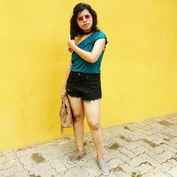 #pondicherry #yellowwall #ootd #stylediaries