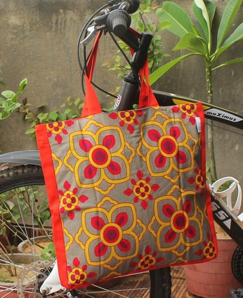 Tote Bag is inspired from painted flower motifs of Mansions in Shekhawati. A stylish unisex tote bag, made from canvas fabrics. Bag is having magnetic Closure button and a mobile pocket with zipper. #totebag  #canvasbag #floral #shekhawati #sikar #designerbag #onlineshopping #buyonline #printed #products #indian #handbags #ladieshandbags