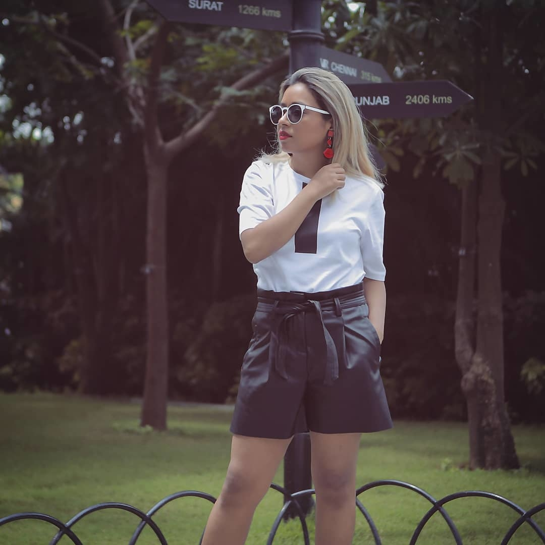 Next post on the blog. I haven't honestly thought of what the post would be about, help me decide. What would you want to read? A trend, or one of my motivational write ups? . . . . . #BlackAndWhiteOutfit#blackandwhiteonly#fashionbloggerindia#bangalorebloggerscommunity #instainfluencer#shortshorts #leathershorts #blondesofinstagram #blondegirl #fashionphotography#bangalorediaries#fashionstylist#instainfluencer#fashionphotoshoot#indianbloggers#blackandwhite_perfection #instaindians_ #ootdfashion#personalfashion#personalstyeblogger#bangalorefashion