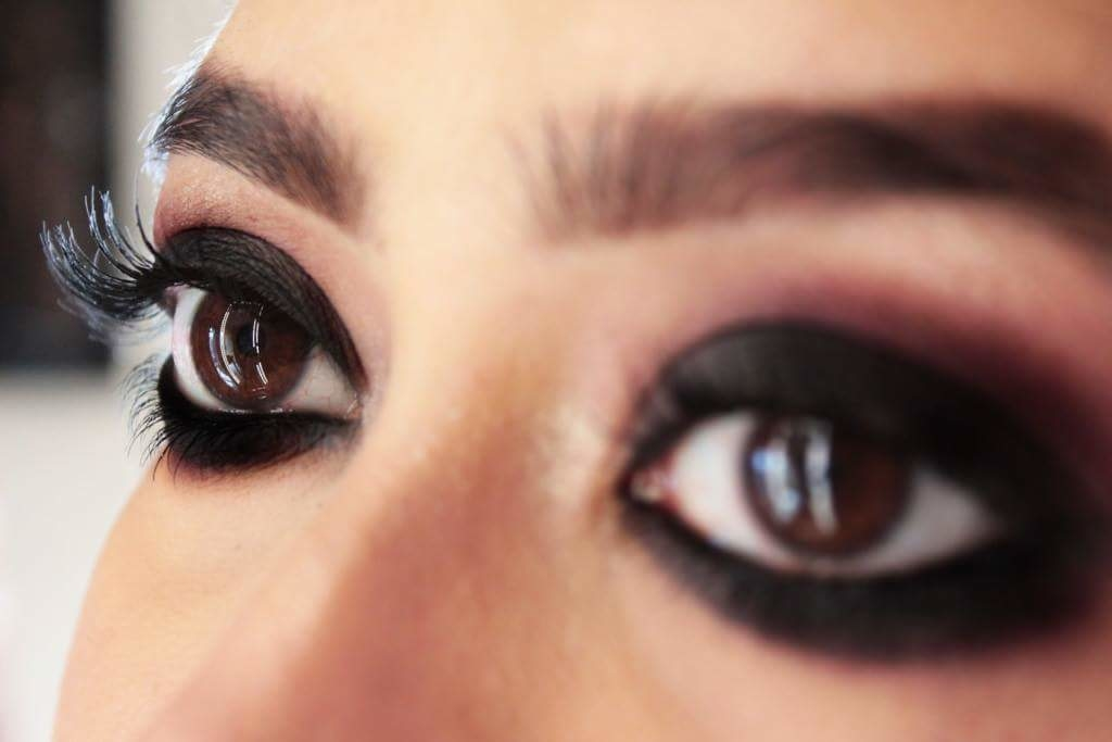 """In terms of eye makeup, is there anything sexier and more sophisticated than the classic Smoky Eye Look?  When it comes to a signature makeup look, """"smokey eyes"""" is my go to. Be it a soft brown smokey, a subtle gold and black or an intense black smokey eye look, I can wear smokey eye at any time and almost anywhere. Which is your favorite eye makeup? Let us know ☺️ .  #eyes #eyemakeup #smokeyeye #roposo #roposostyle #fashion #roposofashion #beautybloggers #indianbeautybloggers"""