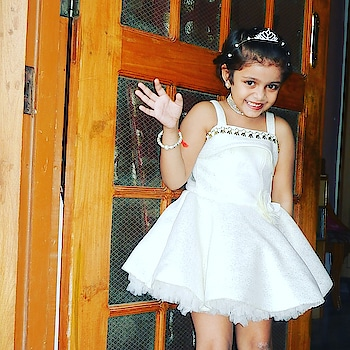 Winters are gone,now it's time for white to dominant.This off shoulder frock is paired Up with white bellarinas.Candy felt like being a fairy, flaunting her silver princess crown. . . .  #lucknowbloggers  #fashionblogger  #fashionaddict #lucknowfashionbloggers  #indianblogger #instakids #cutebaby #lovelybaby  #fashioninfluencer  #lucknowdiaries  #uttarpradesh #kidsfashion #indianfashionblogger #little_supermodel #cutekids  #kidsofinstagram #kidsmodelworld  #the_city_blogger #bloggerindia