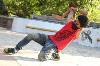 #dancemove #bonebreaker #bonebreakmove #boneless #chinzz #chinzz #ropsotalenthunt #dancecategory #stepmaker #borntodance #dancelife #lestwins #fitnessmodel #posemaker #canon #canonphotography #photoshootdiaries #indian #indiandancer #indiandancers #bonebreakdance #bonebreakedancer