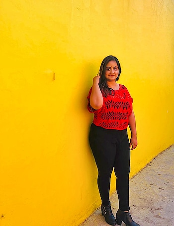 The girl in red in front of the yellow wall. (1/3) Visited @swagshakes today in #Sector36 which has some beautiful interiors and this stunning wall for awesome pictures! Stay tuned for a detailed review. ♥️ 📸: @indian.travel.blogger . . . #chandigarh  #backgrounds  #red  #bodypositive  #chandigarhfashionblogger  #chandigarhblogger  #mdblogs  #pose  #monochrome  #delhifashionblogger  #fashionblogger  #summeroutfit  #black  #whatiwore  #influencer