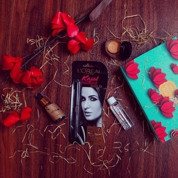 """Yay! Look what came in today's mail - """"My February Envy Box"""" 💞 with each passing month the excitement to know the contents of @myenvybox_india has only increased.  Now without further ado, let's talk about this month's contents -  L'Oreal Paris Kajal 🌟 - It is a waterproof kajal and stays smudge proof for 14 hours. Perfect those am to pm days.  Avene Micellar Lotion 🌟 - It cleanses my skin and removes the makeup.  Votre Face Serum🌟 - Regular use of this serum helps brighten the complexion and reduces facial fine lines.  Gulnare Gold Dust Highlighter 🌟 - It has a creamy texture and can be used to give a natural looking glow to the cheek bones & T zone area.  My Envy Box 💕 has brought many new good quality makeup & skincare products to my knowledge and these miniature sizes are perfect to try a product and see how well it works for me. . . . . #WardrobeSecrets #MyEnvyBox #beauty #skincare #WSdaily #FashionBlogger #Fashiondaily #mumbaifashionblogger #mumbailifestyleblogger #LifestyleBlogger #lookbook #ootd  #Fashion #Style #picoftheday  #bestoftheday  #popxoblognetwork #popxoblogger"""