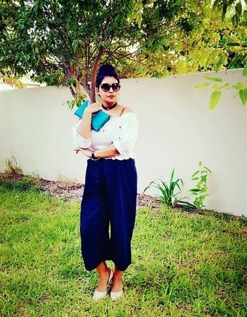 With every basics you have endless option.... Pairing white crop top@zara and culletoes@asos  #styleasilhouette #fashionista #fashiondiaries #staystylish #sundayfunday #zara #asossale #summervibes #fashionaddict #fashionoftheday #mumbaifashionblogger #desi #indianbloggersroposo #roposomood #ropostyl  #white