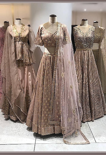 #MeshbyNityaBajaj now at @elaheofficial  #hyderabad  Come shop our exclusive festivewear designed for #elahehyd  Beautiful Rose Gold display at #ElaheHyderabad is here to turn heads for your memorious occasions😍 Shop #NITYABAJAJ at Elahe, Hyderabad #nityabajajluxe #labelnityabajaj #elahehyd #hyderabad  #ElaheLights✨ . Repost @elaheofficial A mood of lush and subtle pastels with a touch of modern sensibilities, this festive season let the dreamy silhouettes stun everyone! Drop by today to update your wardrobe at Elahe!! . . . #DreamyVibes #DiwaliEdit #ModernFestive #Intricate #Feminine #LuxeFabrics #DabkaDori #NityaBajaj #NikitaMhaisalkar #Shopnow #Elahe #LuxuryShopping #Elahehyd #Elahequins #MultiDesignerBoutique