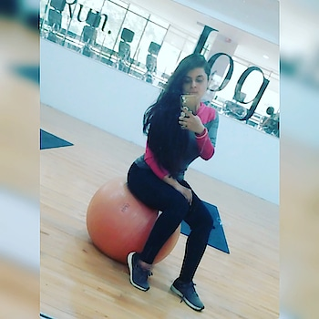Hustle harder than yesterday..☺💪..#workyourbody #postworkout #fitnessblogger #pune