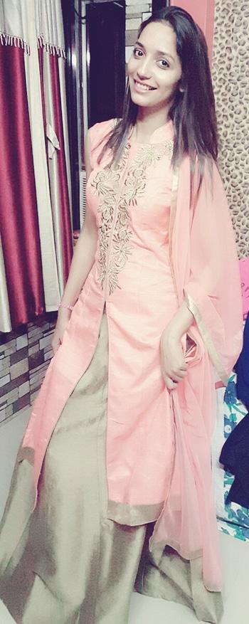 #indiansuits #dressupforstyle #fashiongirl #livelaughlove  #fashionicon #roposotalkies #roposotrends i,me&myself