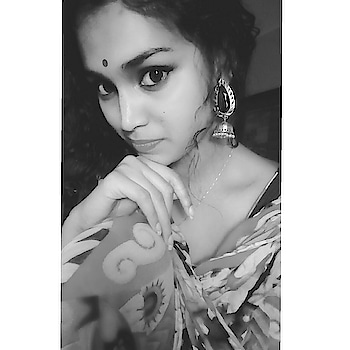 Colour is everything... But black & white is more ❤️ #traditionalvibes #traditionalearrings #traditionalattire #indianethnicdresses #simpleyetclassy #bindilove #blackandwhitepic #classic-beauty #ropo-fashion  #ropo-love #ropo-good #roposo-style #ropo-beauty #roposo-makeupandfashiondiaries