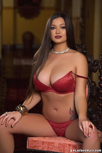 #longhair #necklace #bold-is-beautiful #red #off-shoulder #lingerie #bigboobs #fashionstyleandtravelcloset #modeldiaries