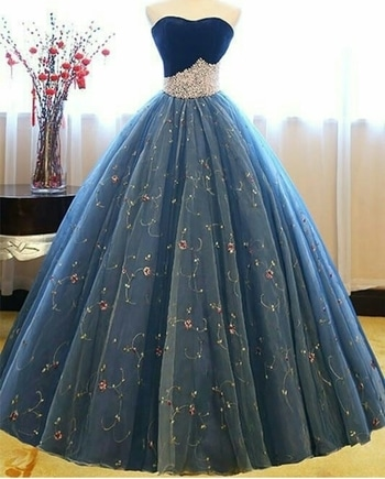 so here i have a cute princess dress for you guys.........every girl dream to wear a princess dress like this.... even me too the best part is the creativity it has on the upper part.  too good 👌 #topnotch #princessgown #princessfeels #princessdiaries #princessstyle #woman-fashion #in fashion 💖 #women's fashion #elegant #classylook #sassygirl #ropo-style #ropo-post #roposotalks #roposogal #followformuchmore #staytunedformorecollection