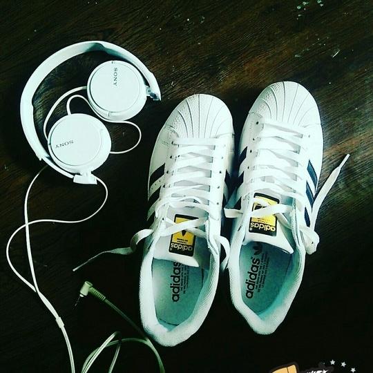 #adidas  #superstar  #whiteshoes  #sony  #headphones 😍😍