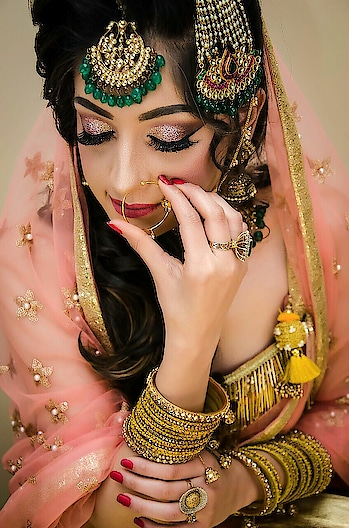 rajput bridal look #eye-makeup #eyemakeuplook #bridalmakeup #engagementmakeup #delhimua #weddingmakeup #weddingthings #jewelleryaddict #gehna #wedmegood #punjabiwedding #indianbridalmakeup #makeupartist #makeupartistdelhi #muaindia #wedding-lehnga #bridaldresses #bridal-jewellery #hudalashes #hudabeautyrosegoldpalette #hudabeautyindia