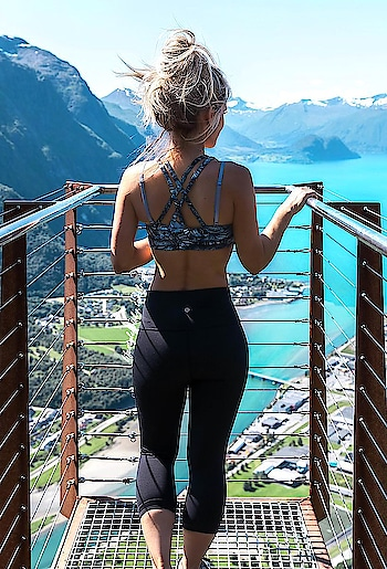 skinny black pants #skinny #skintight #skin-tight #motivation #cute #omg #perfect #booty #black #blackpants #fitness #exercise
