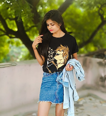 """I am justice"" . . . . . . #fashion #fashionblogger #fashionindia #indianblogger #comicsense #comiccon #deathnote #light #tshirt #casual #potdtbt #ootd #followme #followforfollow #like #roposo #roposoblogger #ropo-good #ropo-love #fq #fqchannel #love #hot #girls #winter #winter-style"