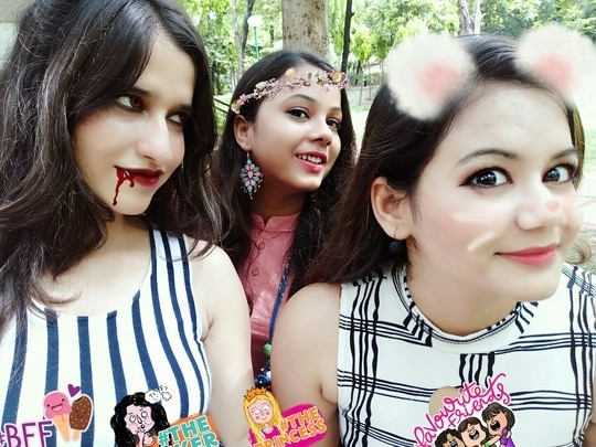 friendship day is coming....now party tym 😀😀😀 #favouritefriends, #bff #favouritefriends #theprincess #thethinker #friends
