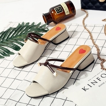 white sandals-closet37 #closet37zion #closetgoals #insta #fashion #fansyshoes #trendy #trendystuff #trendyshoes #delhi #delhifashionblog #delhifoodblogger #delhigirls #shoes #multy-lofars-shoes-for-women #shoesoftheday #rangoli #trands #fashionweekend #bangalore #banglorediaries