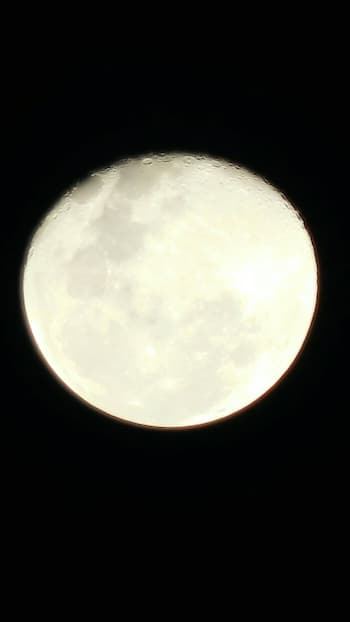 Full moon through my SLR... #moon #fullmoon #slrcamera #photogram ❤️❤️🌙🌙