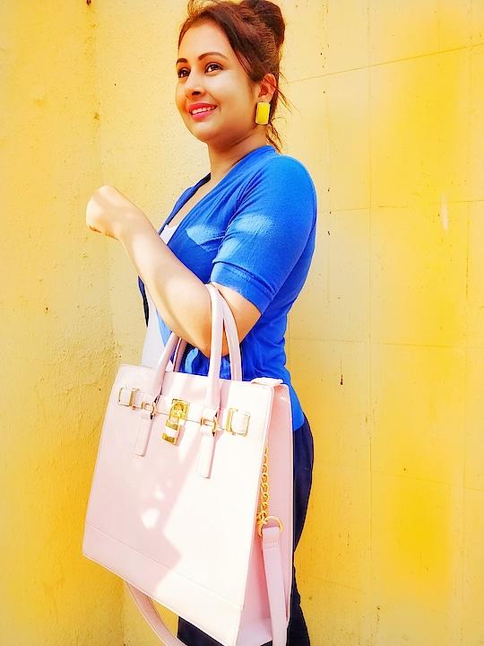 trying to be stylish #roposo #roposo-style #roposo-fashiondiaries #roposo-makeupandfashiondiaries #roposoblogger #roposoblogs #roposoyoutuber #roposofever #roposofashiontips #roposofeed #roposogal #youtuber #youtubecreators #bindi #channel #ropo-beauty #beautytipsandtricks #followme #like #share #girls #fashion #women-fashion