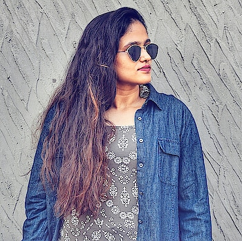 keep on dreaming even if it breaks your heart ❤ . . . . . #indianfashionblogger #indianblogger #indianblog #mumbaiblogger #mumbaifashionblogger #fashionista #indowestern #indowesternlook #shades #lookbook #ootd #ootindian #ootdwoman #roposoblogs #roposobloggerdiary #styleblogger #styleblog #women-style #acquiringanaqua #accessorize