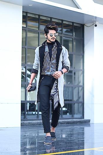 Let's have a fusion trend ! . . Coat by - @fugazeeinc . . Shot by - @callisto_studio . . #tsdstyle #tsdfam #thestyledweller  #mensfashioninfluencer  #mensfashion  #menswear  #men #streetstyle  #menswithclass #menwithstreetstyle #achromatic #coat #grey #fashion #trend #ootd #fashioninfluencer #fashionblogger  #menblogger #suratblogger  #suratinfluencer  #surat #indianblogger  #indianinfluencer  #india