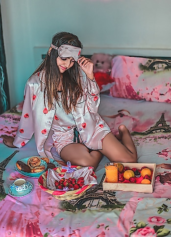 "What's up! fam ? What's your  morning looks like ? Mine is waking up with an amazing breakfast🍓🍩☕ // Wearing this pjs set from @sheinofficial // . . You can shop this pjs set right here: http://bit.ly/2IvkekK Search id- 541672. . . Don't forget to use my code ""ekhaQ1"" during checkout time to get 200rs off on order over 2000rs ( valid till 31st march) . . 📷- @thedaydreamstudio . . #fashionblogger#fashioninfluencer#personalstyleblog#lifestyleblogger#suratblogger#indianblogger#shein#sheinoutfit#sheingals#pjs#sundaymorning#postoftheday#instamood#instagood#riyalekhadia"