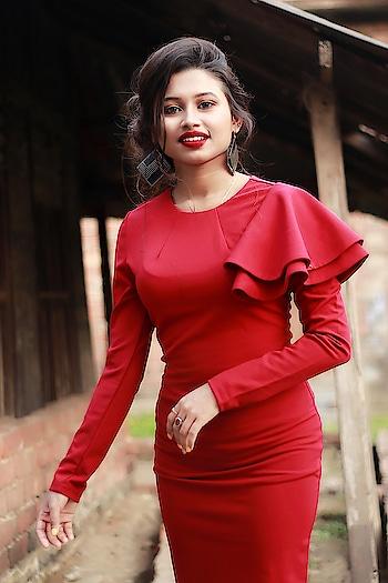 #bong #reddress #redlips #l4l #f4f #hitmeup #kolkata #westbengal #indian #india