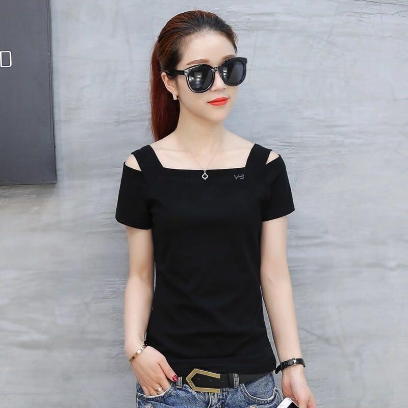 Buy this new Black tops..  #topshop #topsonline #blacktop #topsaloninhyderabad #new-style #offshouldertop #fancytops #casual tops #newstyle #roposo-style #roposo-fashiondiaries #new-style #ropo-fashion #westernwear #partylook #prty #buyonline
