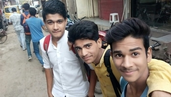 #at#outside#of#cc#friends#pose#instmood#roposomood#instapic