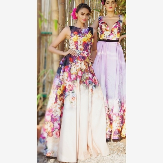 #indiandesigner #indianmodels #archanakochhar #floralgown #longgown