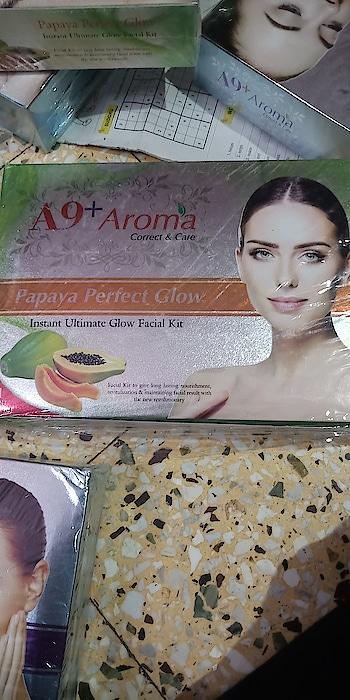 selling facial kit.    600gm.  Rs. 450