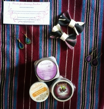 Hey everyone .. Hope you all are doing good.. Products received in my fuschia box! -Garden lavender face and body  scrub -cherry care hand and nail cream -sandal and saffron facemask :) Have a lovely weekend everyone :) Review will be up on my blog very soon. P.s: I made those bows :) #fashionblogger #lifestyleblogger #organic #organicblogger #chennaiblogger #instafashion #indianblogger #roposodiaries #roposoblogger #roposotalks #beautyblogger #beauty #skincare #thegoldiegirl #skincare #roposotalks #fuschiavkare #fuschia #parabenfree #slsfree #crueltyfree