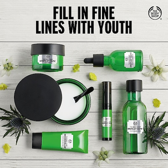 Bid farewell to the first signs of ageing with our Drops of Youth range. Follow the whole regime to give your skin renewed life. The range is designed to give your skin a smoother, fresher and healthier feeling. Find yourself soaking in the goodness of instant moisturisation! Shop today: https://www.thebodyshop.in/
