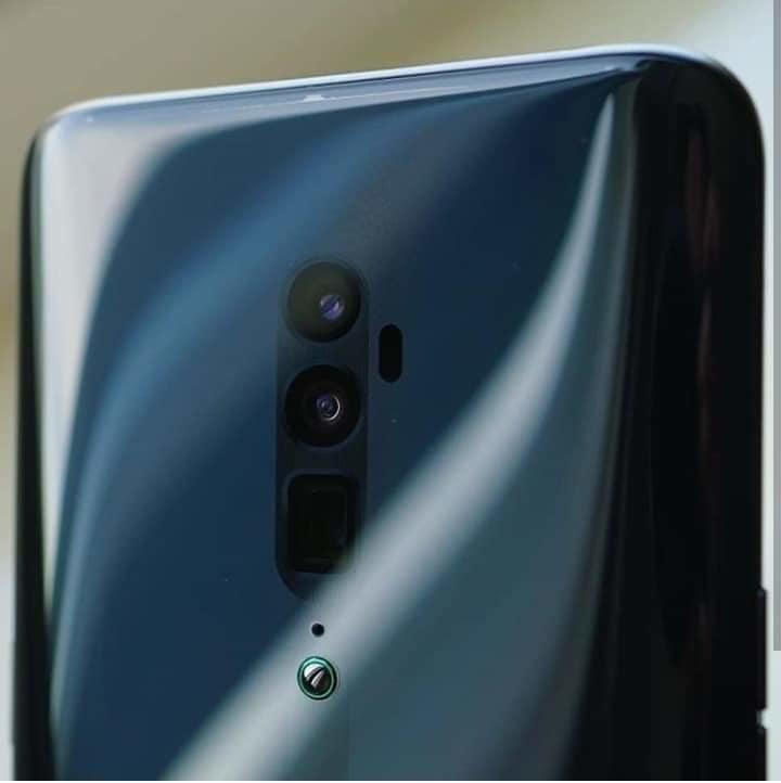 The #oppoReno 10X Zoom costs €799. Worth it or  nah?