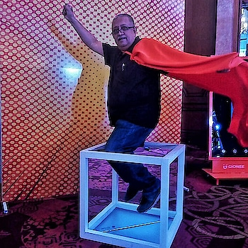 These smartphone companies do everything to make you feel like a superman! . .  Those who imagine well Are forever taking off into a world Beyond the one where we dwell To be new ideas willing to be unfurled! . . Blog: www.passey.info .  #GioneeF205 #GioneeS11Lite @tajmahalhotelnewdelhi @gioneeindia #smartphone #gionee #technology #Delhi #India