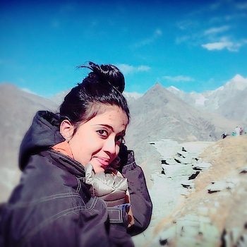 Wonderful experience with heavy air flow which passes through ears. But the elegant view is heart filling.  #manalitrip #rohtangpass #manalidiaries #mountainlove #winterstyle #happieness #rosopofashion #ropo-good #traveldiaries  #mountains #happyvibes #birthdaypost  #birthdayoutfit #birthdaylook #outfitideas #outfittoday #croptop #croptoplove #cooltops #embroidery #embroiderylove #whitejeans #whitedenim #whitedenims  #frontbangs #hairstyle #hairstyleoftheday  #hairstylelove  #be-fashionable #woman-fashion #fashion #longhair