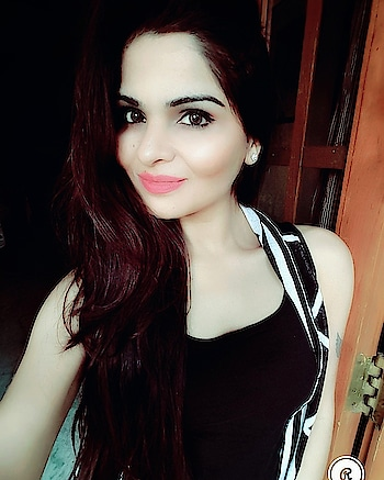 #monocromelove #black-and-white #selfiequeen #hyderabadfashionblogger #imageconsultant #be-fashionable #roposo