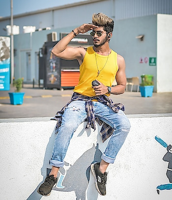 """PODsessed ! "" . . Earpods by - @leaf.studios . . Shot by - @thedaydreamstudio . . HAIR COLOUR BY - @hairfactorysurat . . #TSDFAM  #thestyledweller  #fashionblogger #fashioninfluencer  #influencer  #earpods #leafstudios  #streetstyle  #menswear  #menwithstreetstyle  #instafashion  #yellow #blue #summerstyle #suratinfluencer  #suratblogger  #indianblogger  #indianinfluencer"